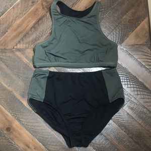 Athleta 2 piece swimsuit